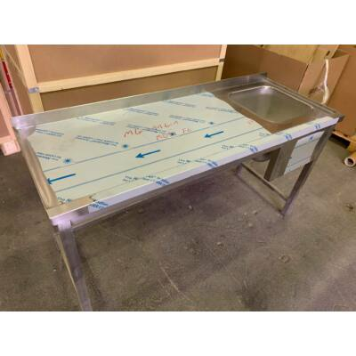 Munkaasztal, jobb oldalon mosogató medence, 1600x600-as külméret